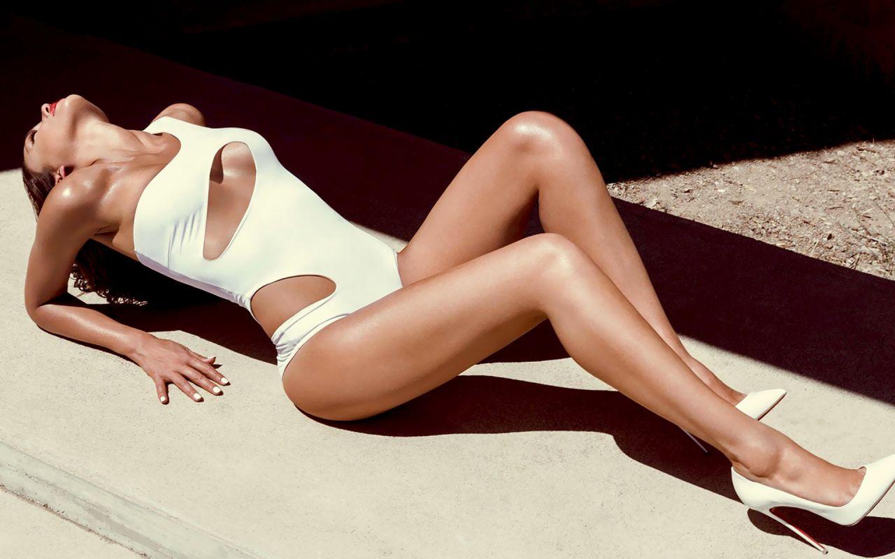 Jennifer Aniston Cute Wallpapers Jessica Alba Bikini Wallpapers 14