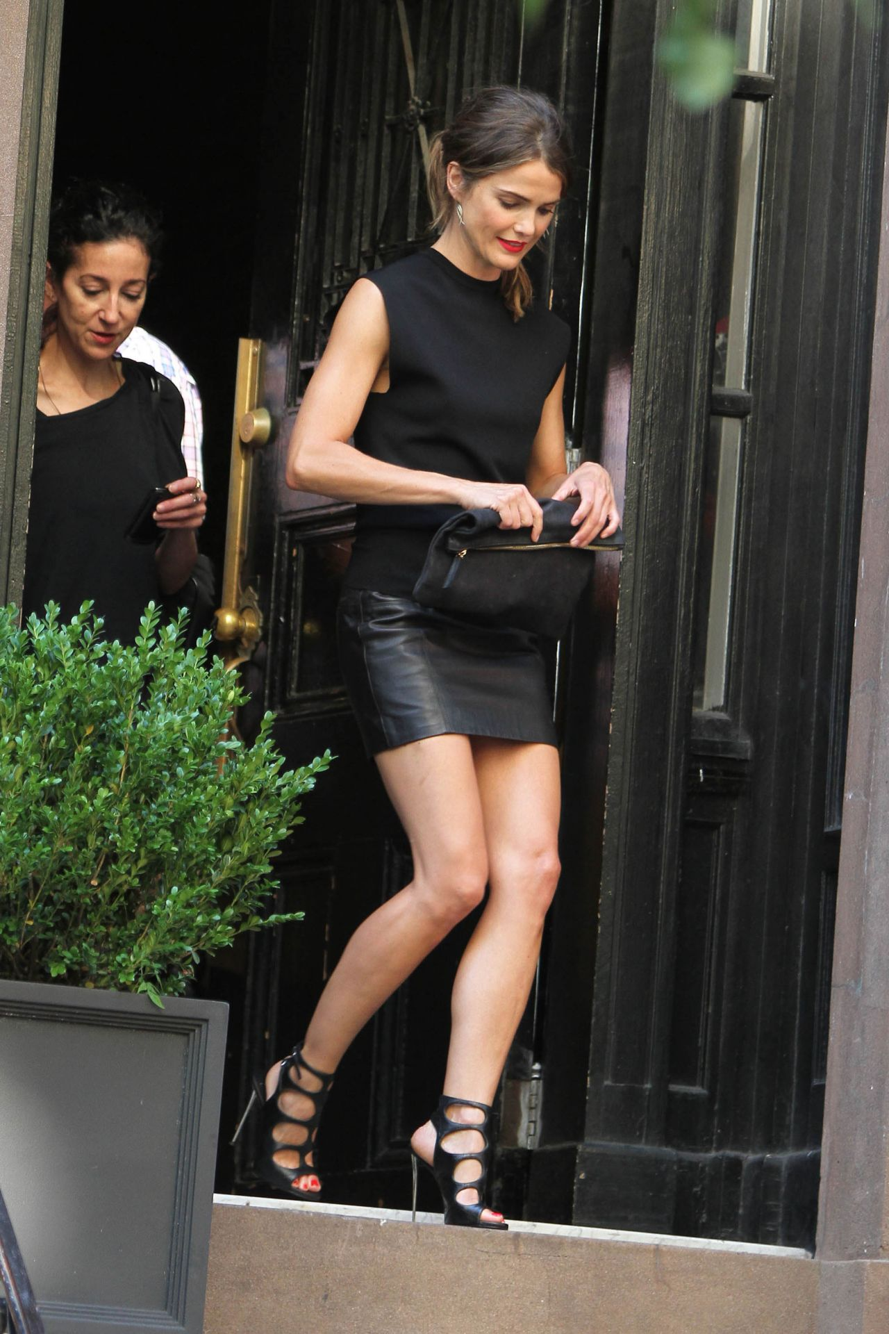 Keri Russell Hot Legs in a Leather Skirt  Leaving Her