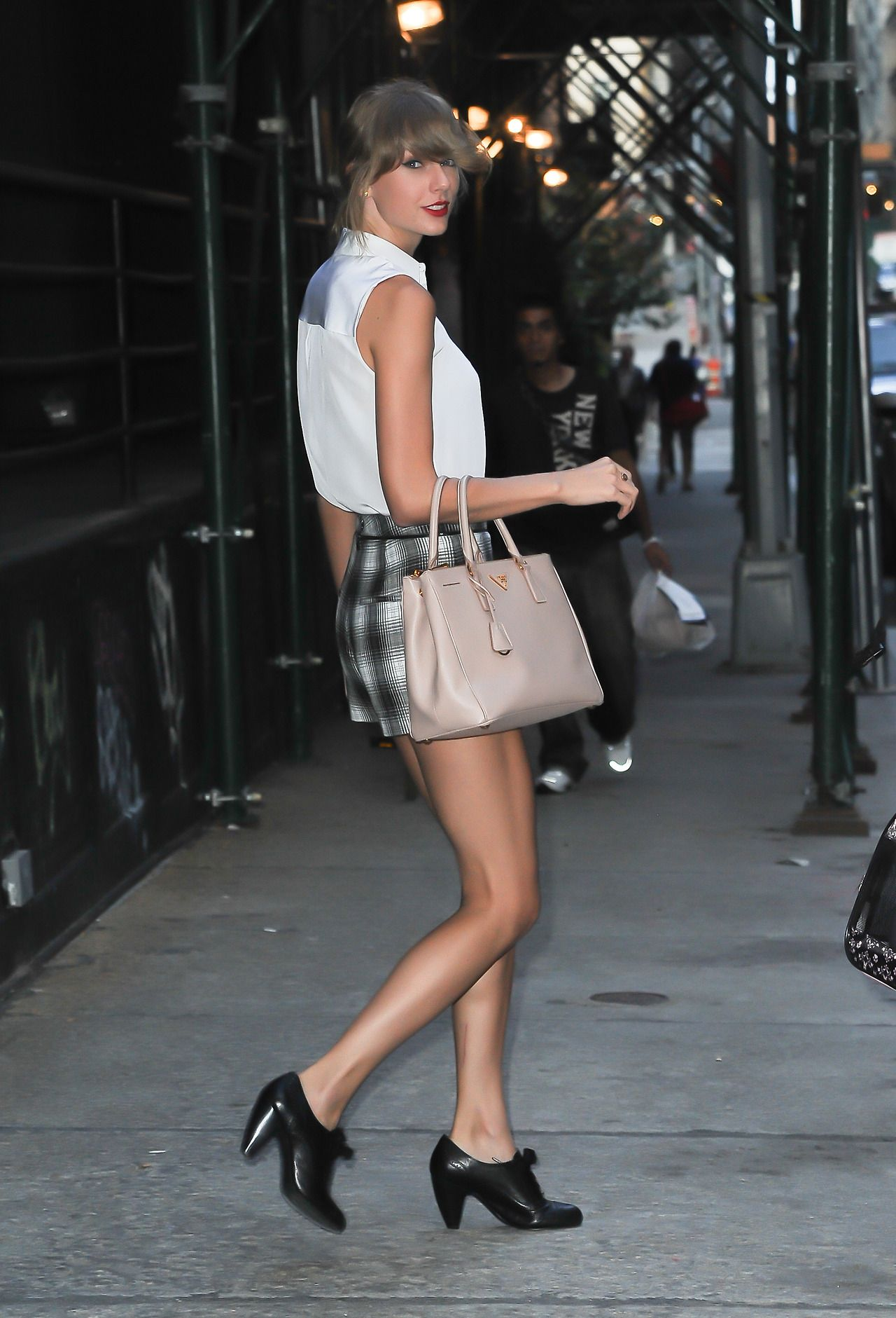 Taylor Swift  Leaving Her Apartment in NYC  August 2014