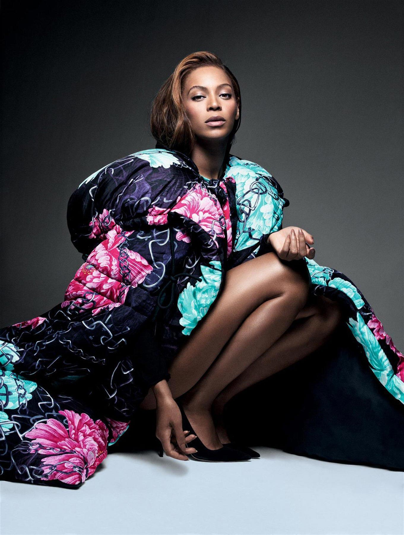 Beyonce  Photoshoot for CR Fashion Book FallWinter 20142015