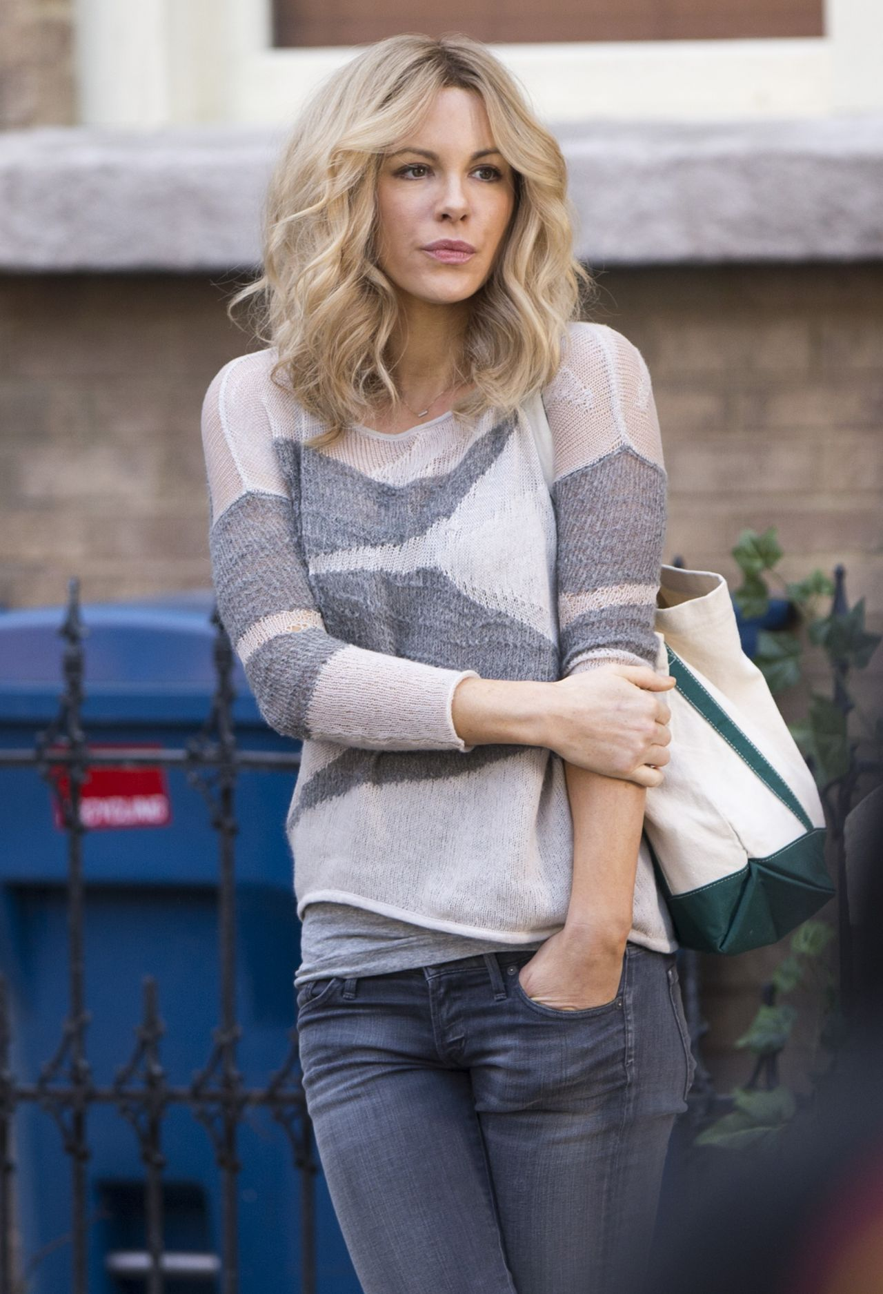 Kate Beckinsale The Disappointments Room Set Photos