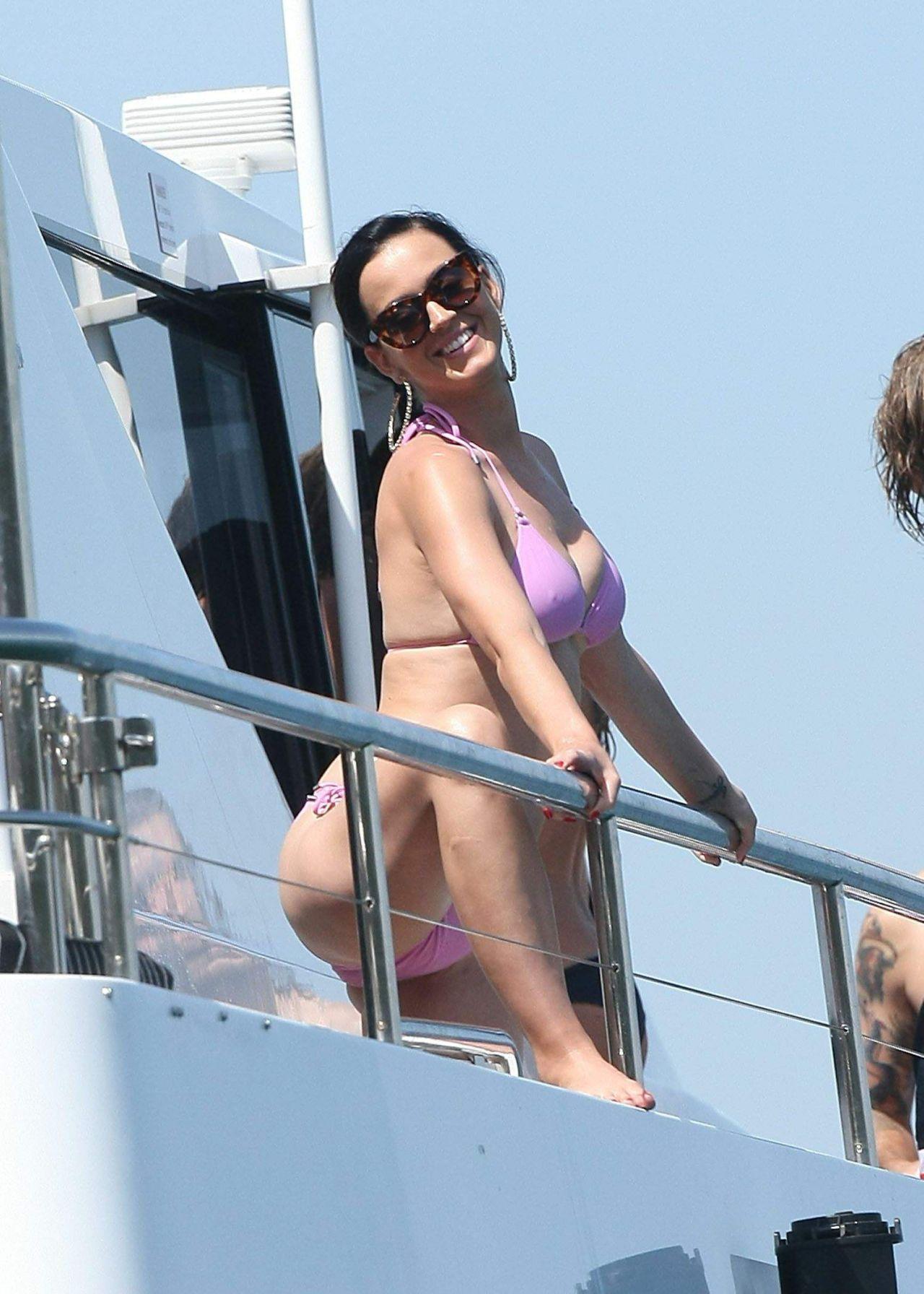 Katy Perry Bikini Candids Sydney Harbour November 2014
