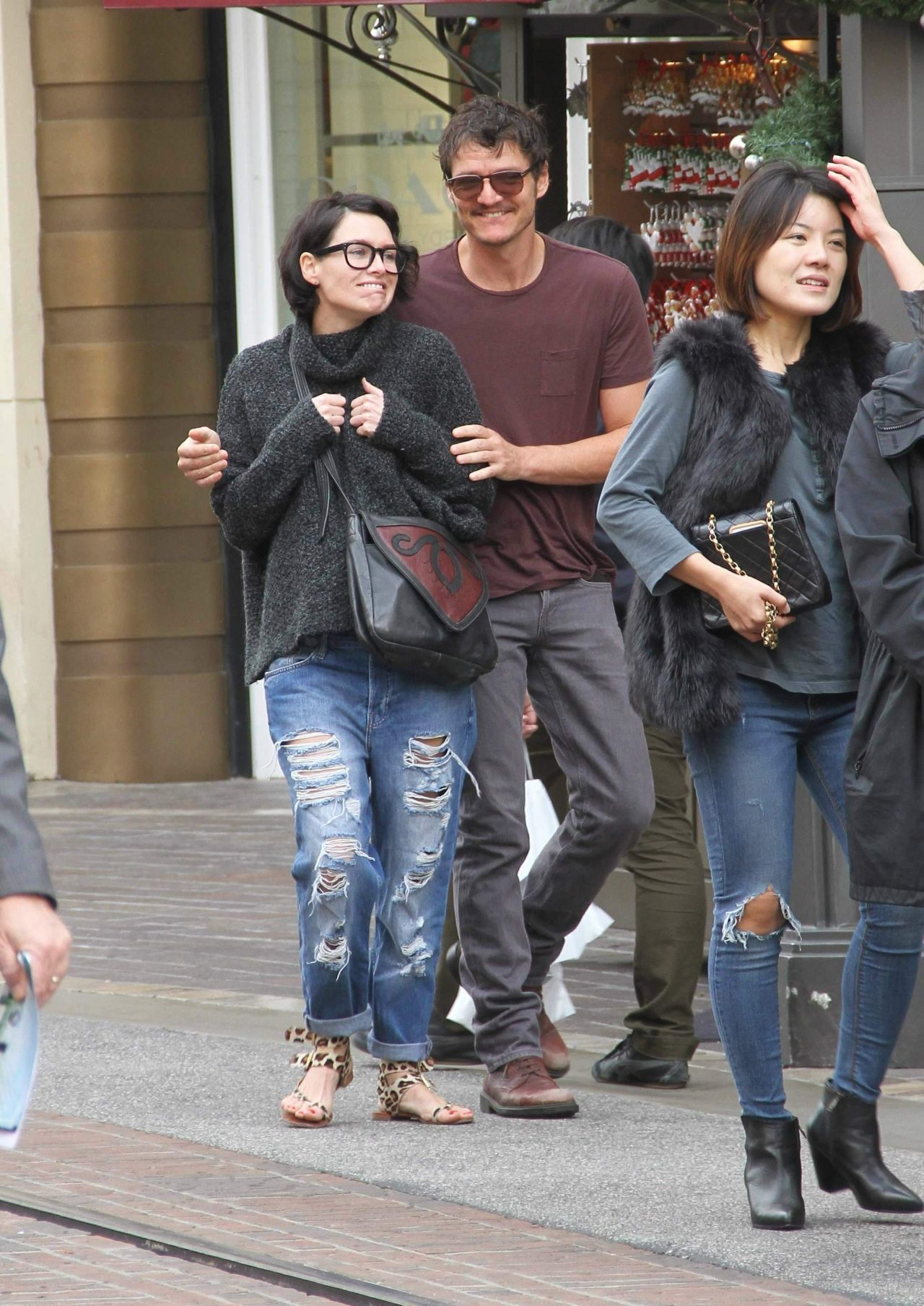 Lena Headey With Pedro Pascal Shopping At The Grove In
