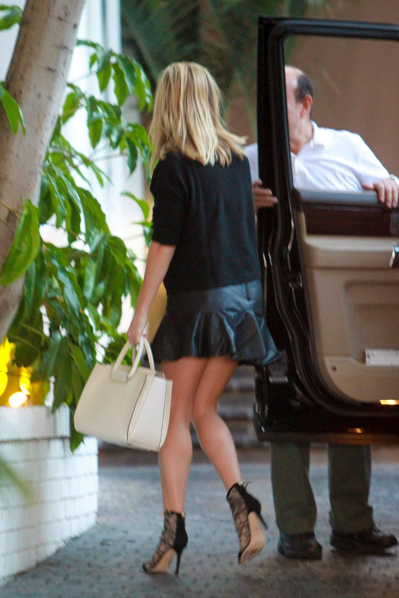 Reese Witherspoon in Mini Skirt  Chateau Marmont in West