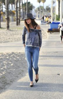 Katie Holmes In Tight Jeans - Santa Monica