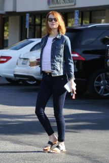 Emma Stone In Tight Jeans - Brentwood April 2015