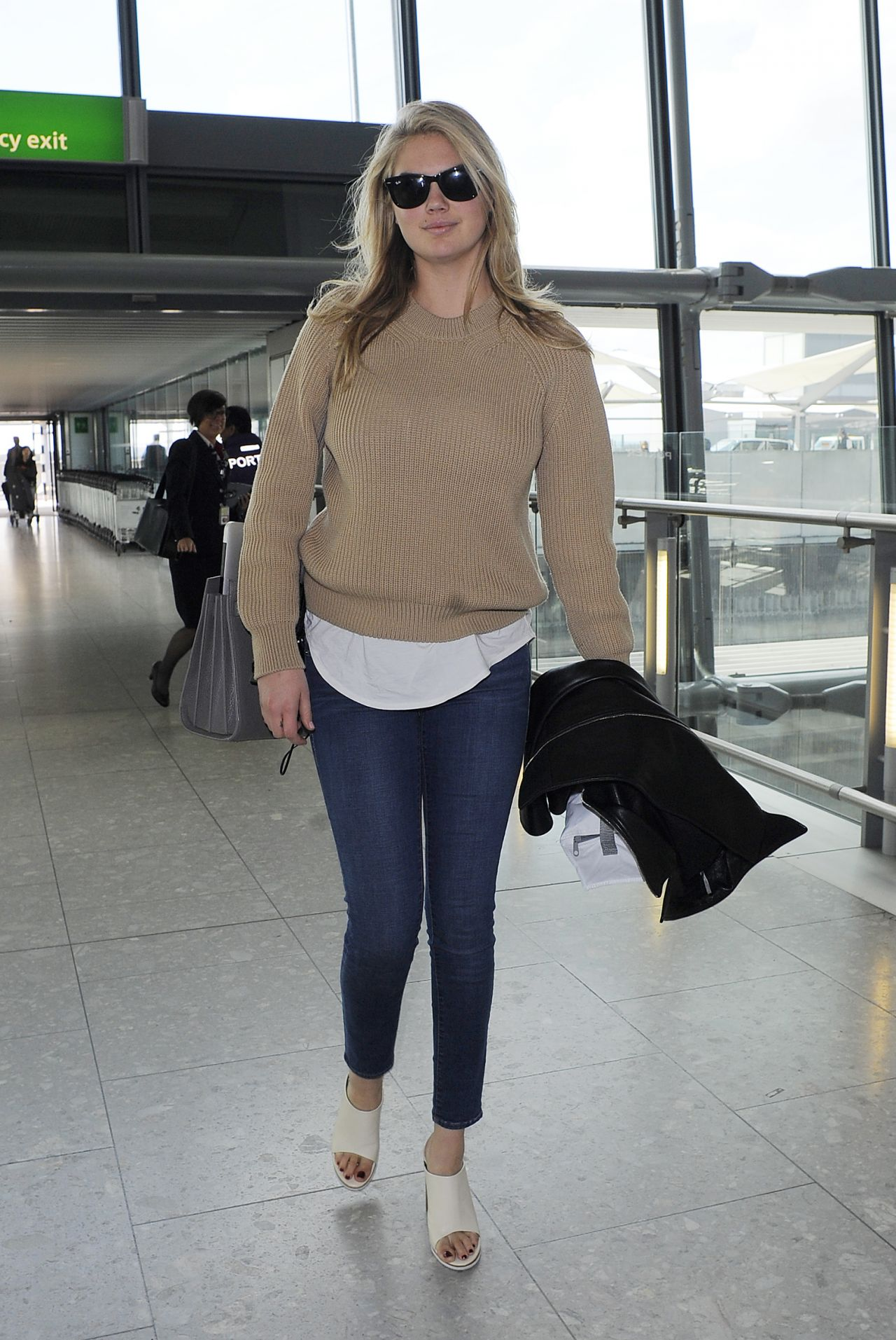 Kate Upton Casual Style  Heathrow Airport in London April 2015