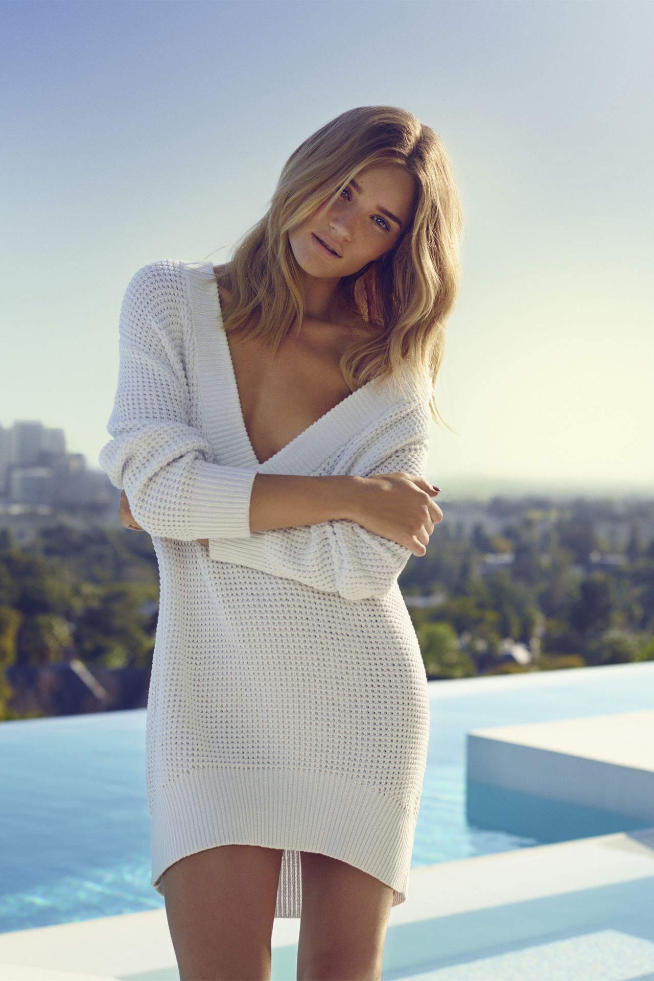 Rosie HuntingtonWhiteley  Harpers Bazaar Magazine May