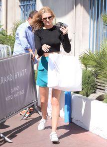 Toni Garrn Style - Arrive Hotel Martinez In Cannes