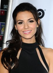 victoria justice - 'naomi and ely's