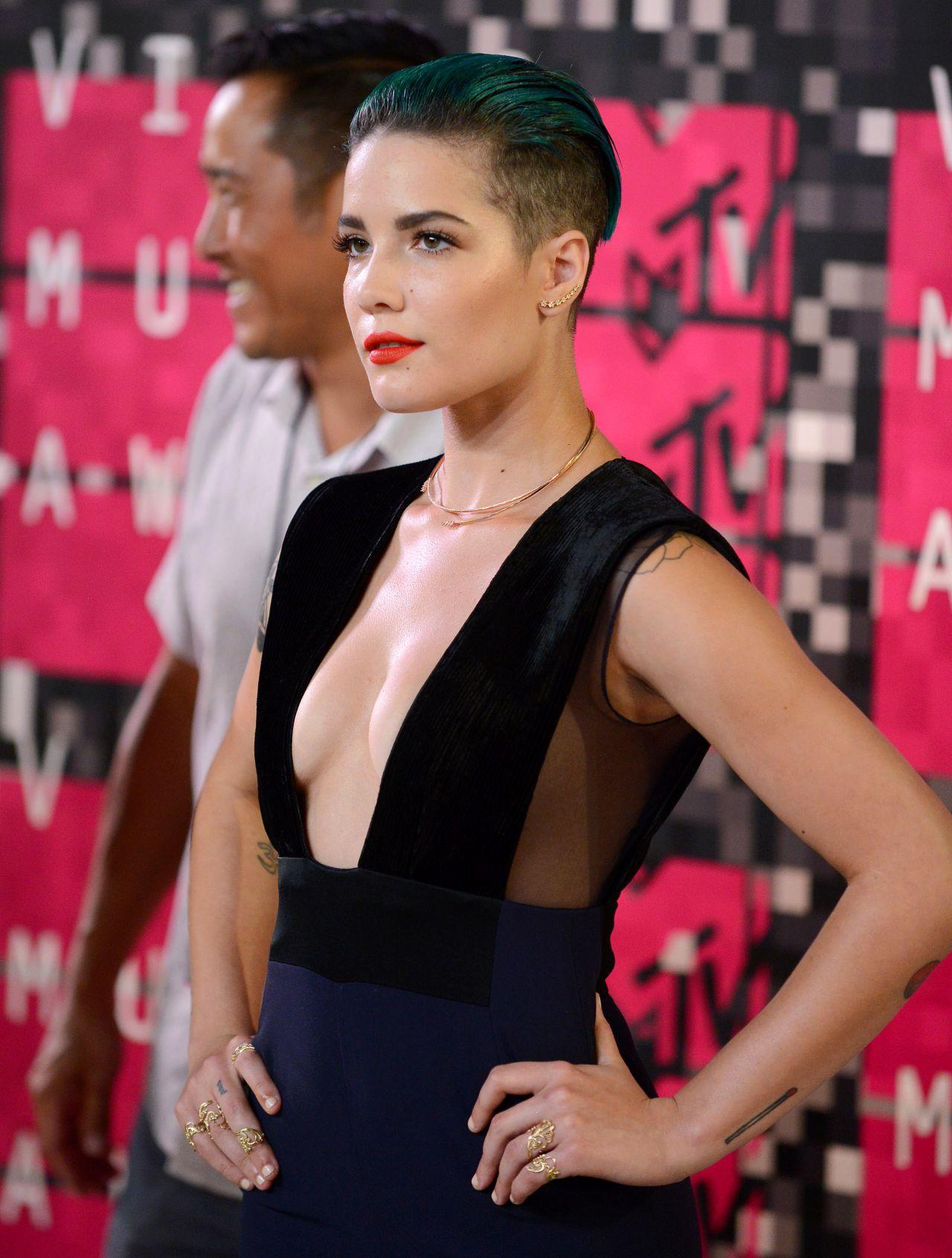 Halsey  2015 MTV Video Music Awards at Microsoft Theater