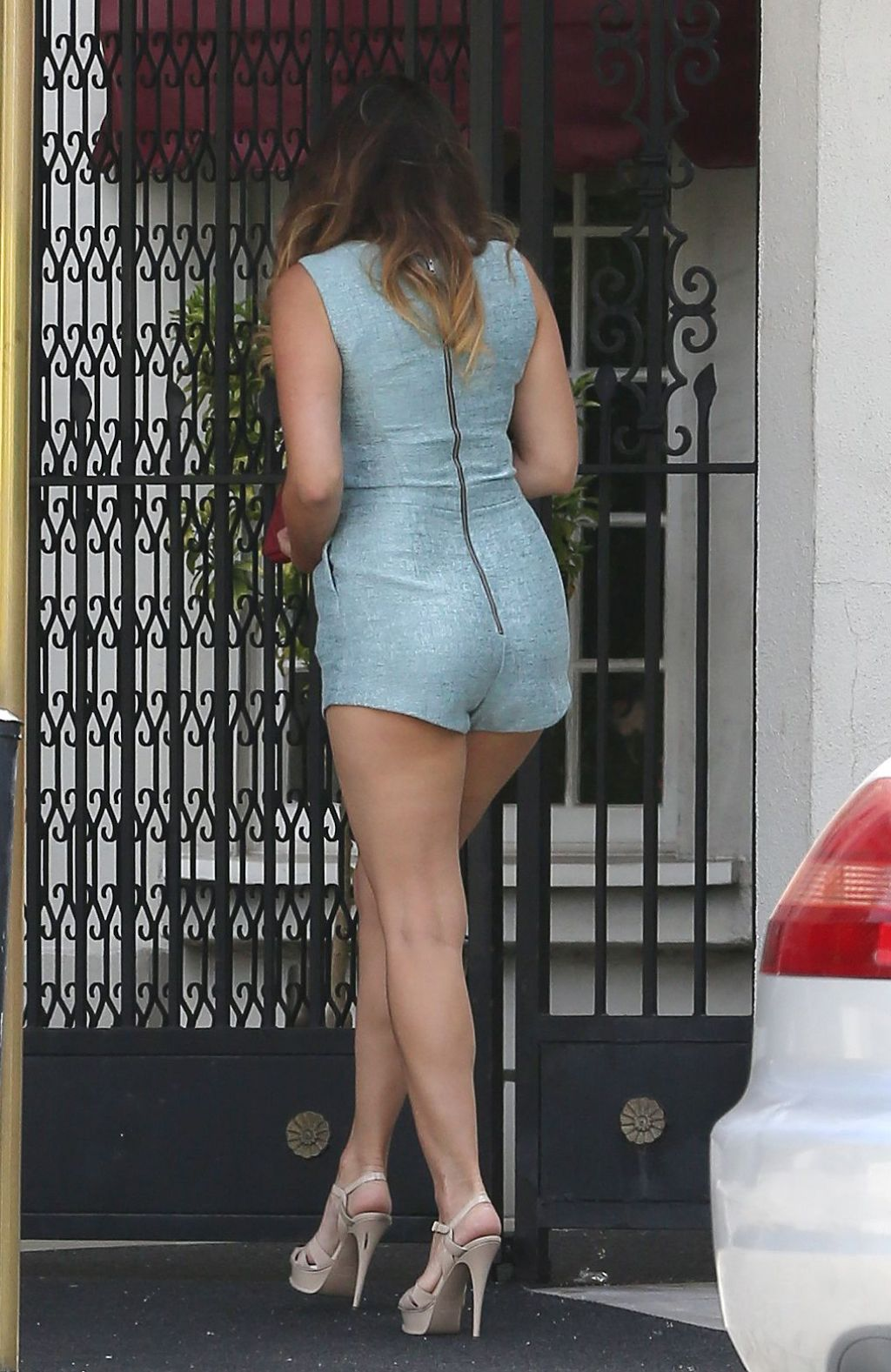 Kelly Brook Shows Off Her Long Legs  Santa Monica September 2015