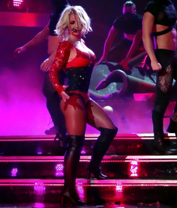Britney Spears - Performing In Las Vegas October 2015
