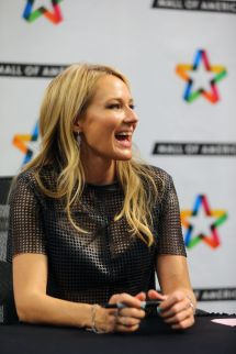 Jewel Kilcher Performs And Greets Fans Mall Of America