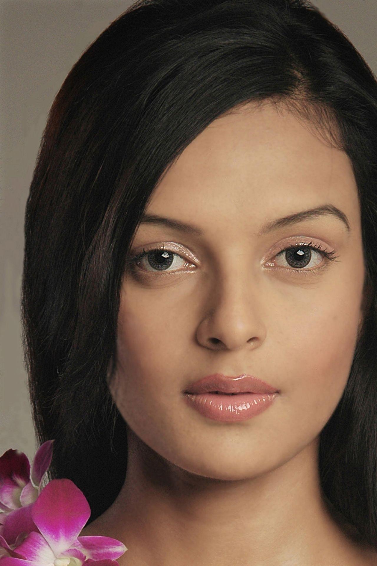 Bidita Bag Wallpapers and Pics - Bollywood Actress and Indian Super Model • CelebMafia