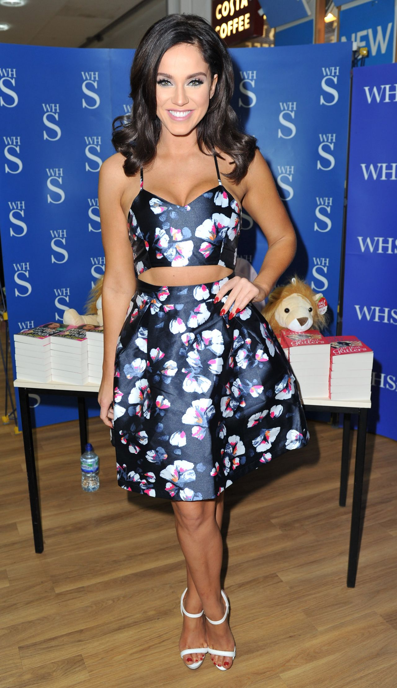 Vicky Pattison  Book Signing in Newcastle 12212015
