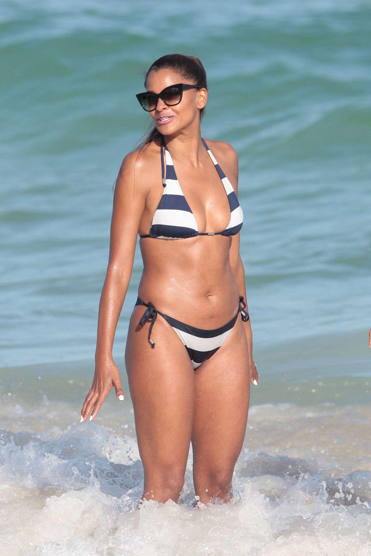 Claudia Jordan Hot In Bikini Beach In Miami 1 2 2016