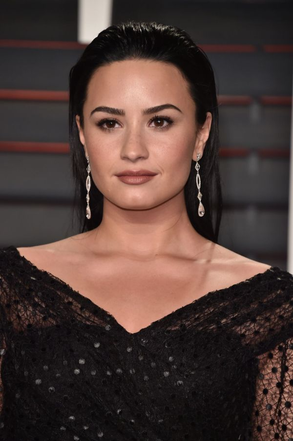 Demi Lovato 2016 Vanity Fair Oscar Party In Beverly