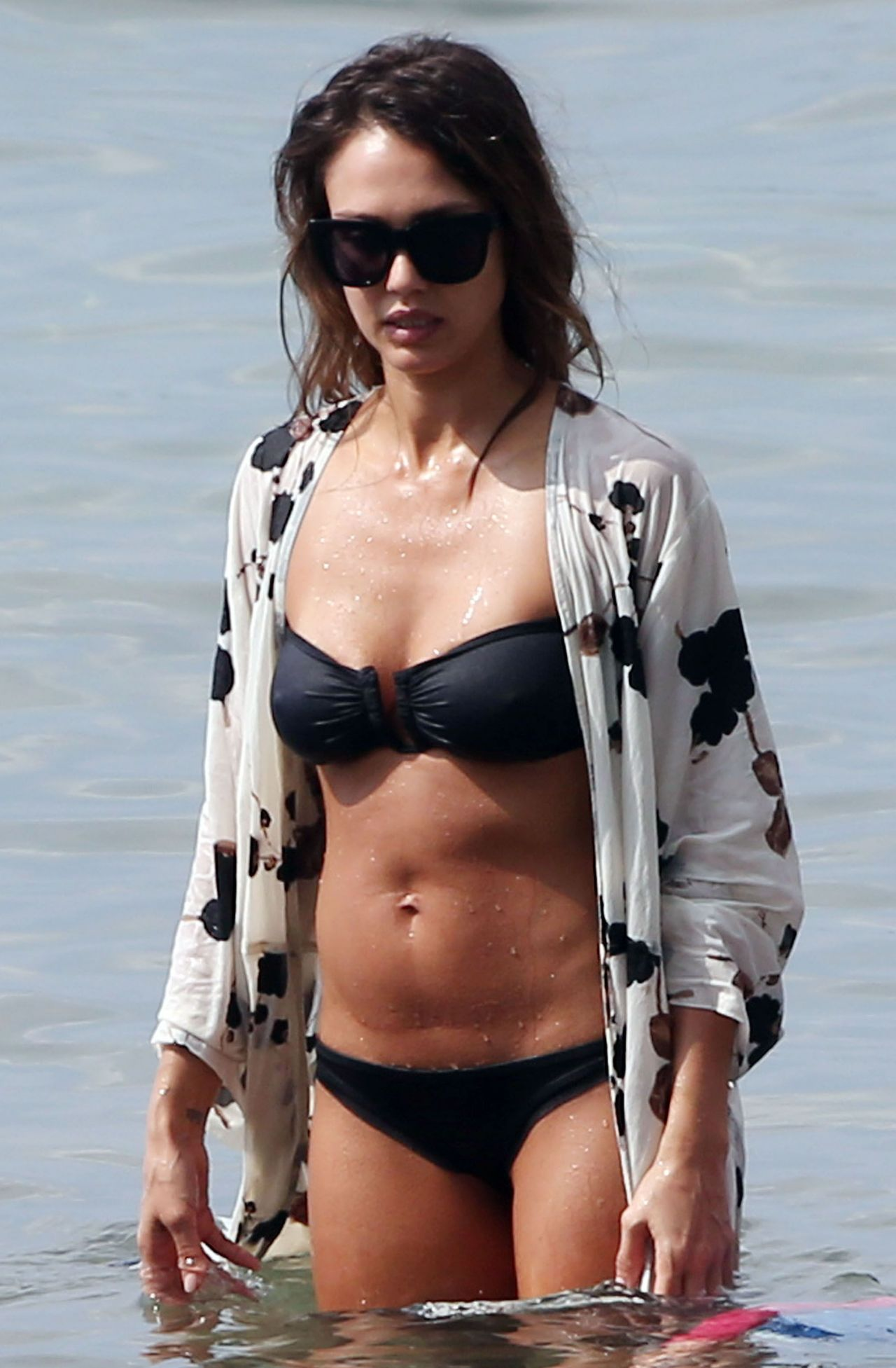 Jessica Alba in Black Bikini  Hawaii 3232016