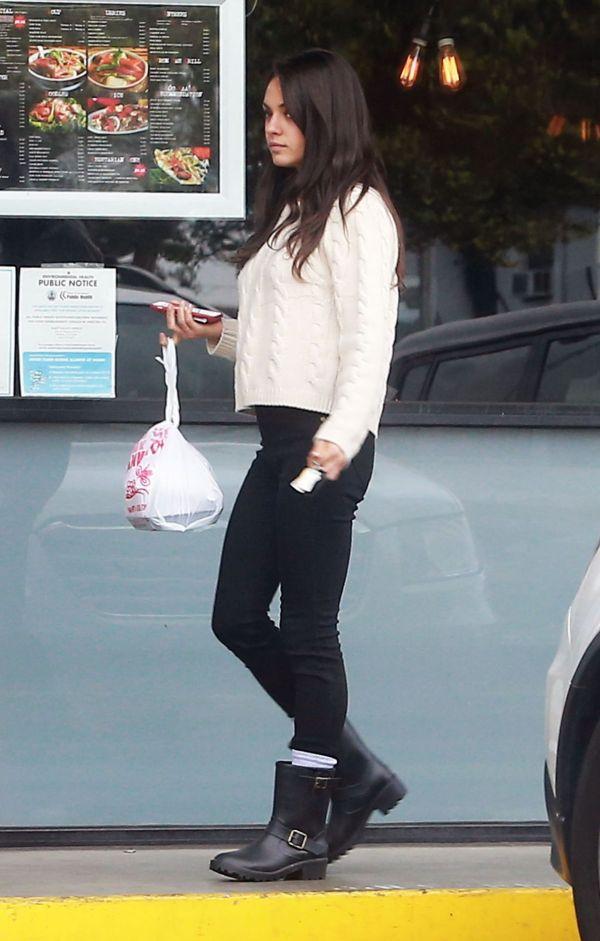 Mila Kunis Street-Style