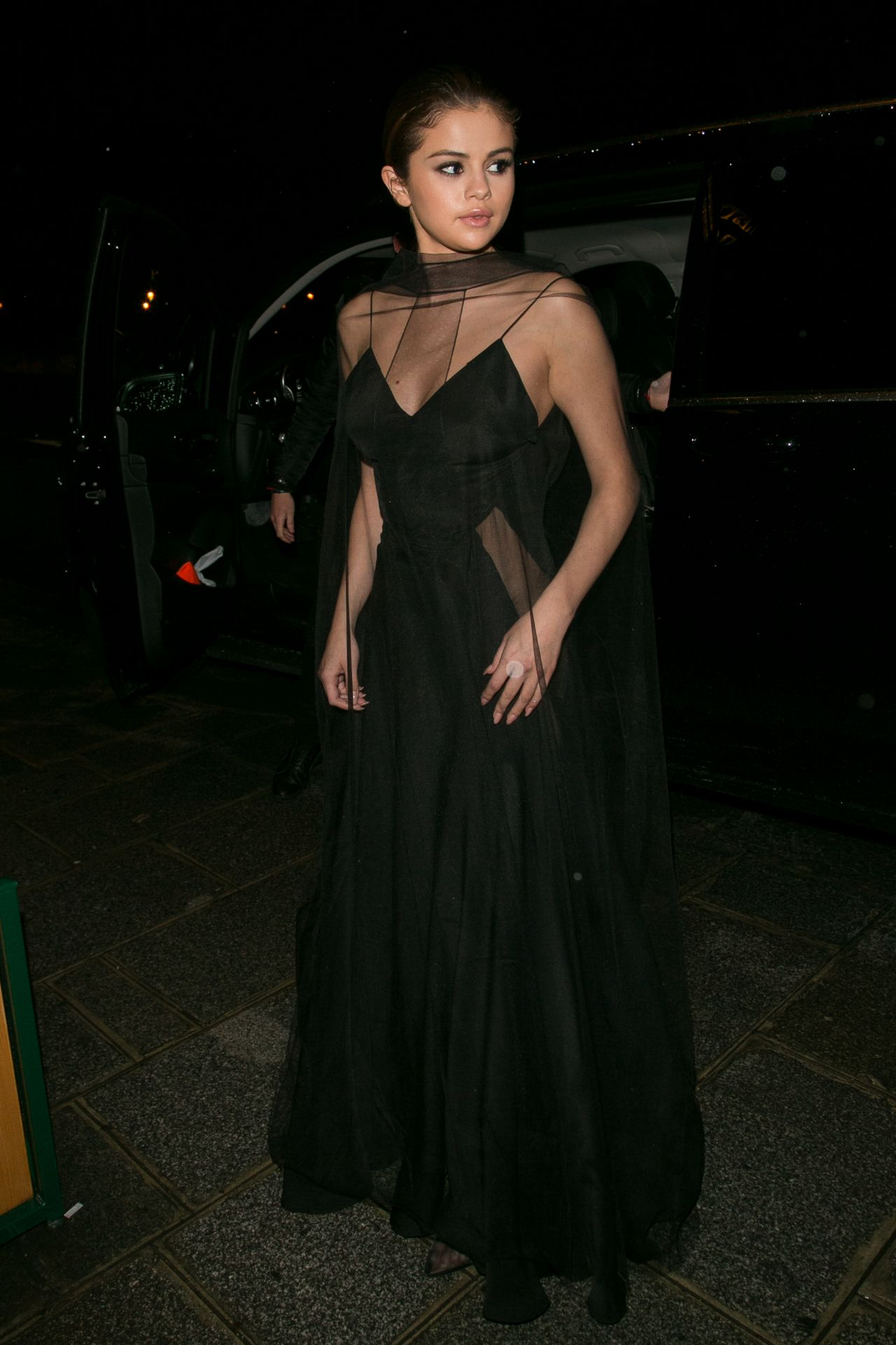Selena Gomez  Arriving at the Louis Vuitton Dinner Party