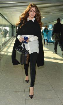 Selena Gomez Airport 2016