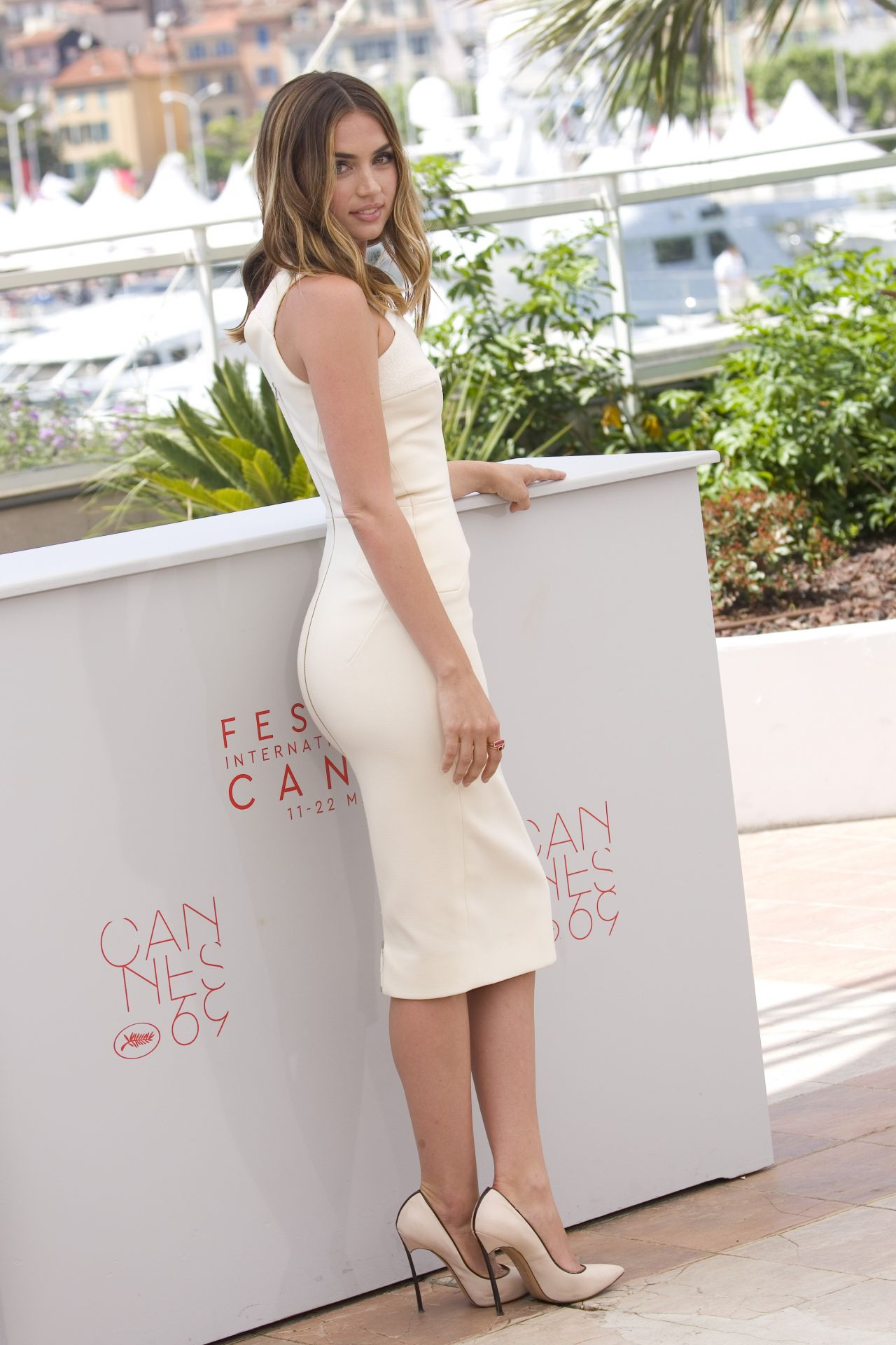 Ana De Armas  Arms Of Stone Photocall At Cannes Movie Pageant Five162016 -8281