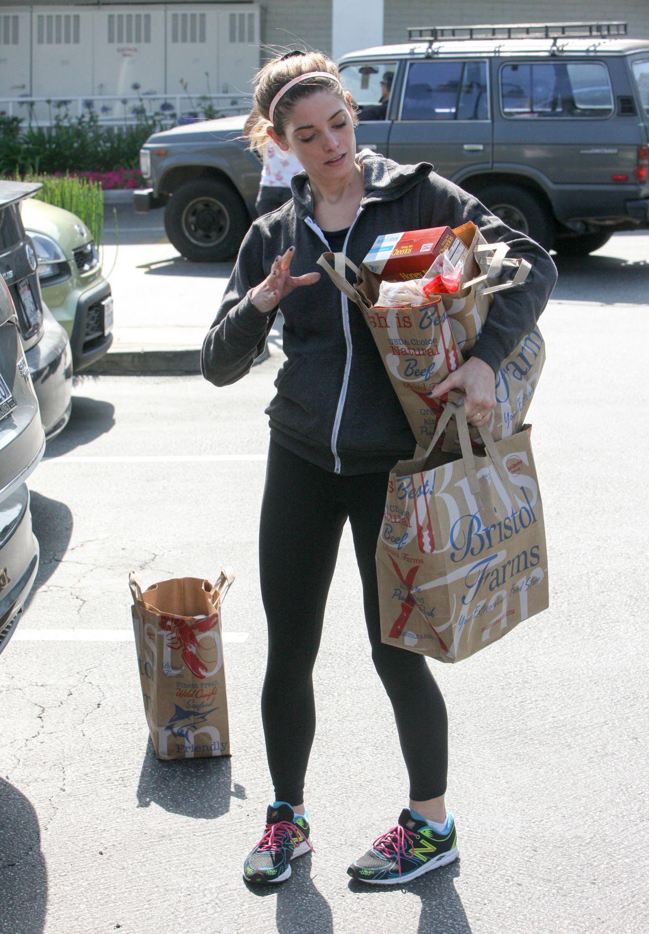 Ashley Greene in Spandex  Leaving Bristol Farms in West