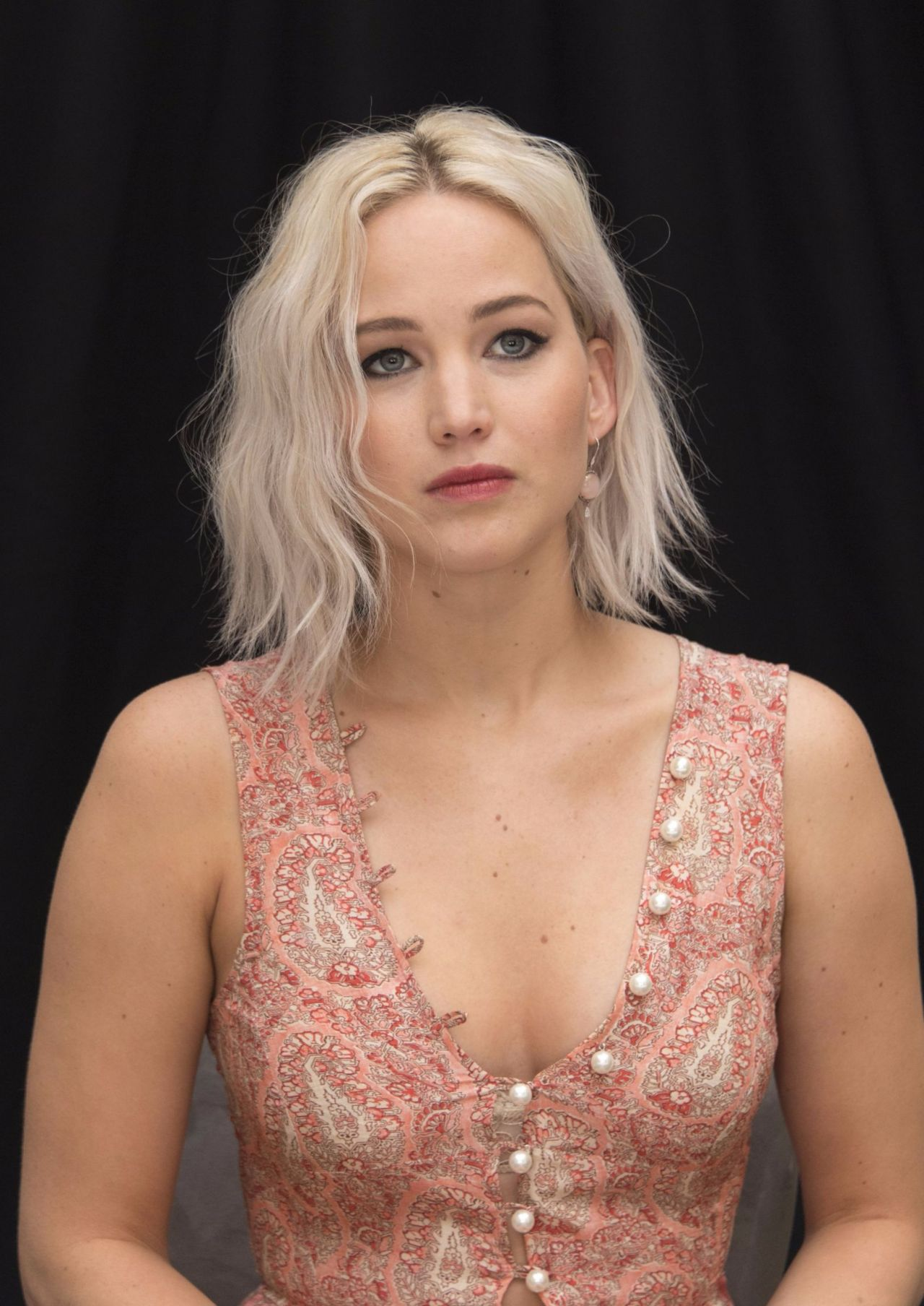 Nyc Iphone X Wallpaper Jennifer Lawrence X Men Apocalypse Press Conference In