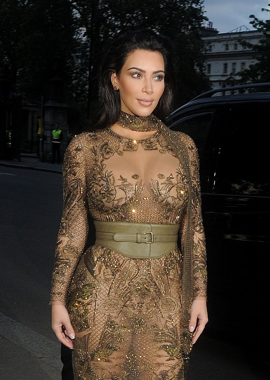 Kim Kardashian  Vogue 100th Anniversary Gala Dinner in London 5232016