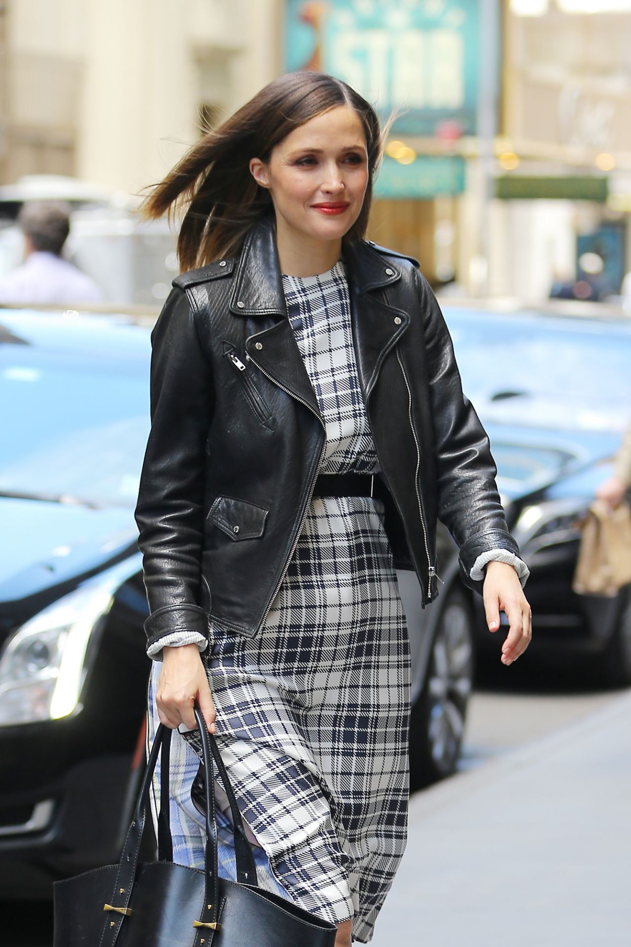 Rose Byrne Style Inspiration  Out in Manhattan 5182016