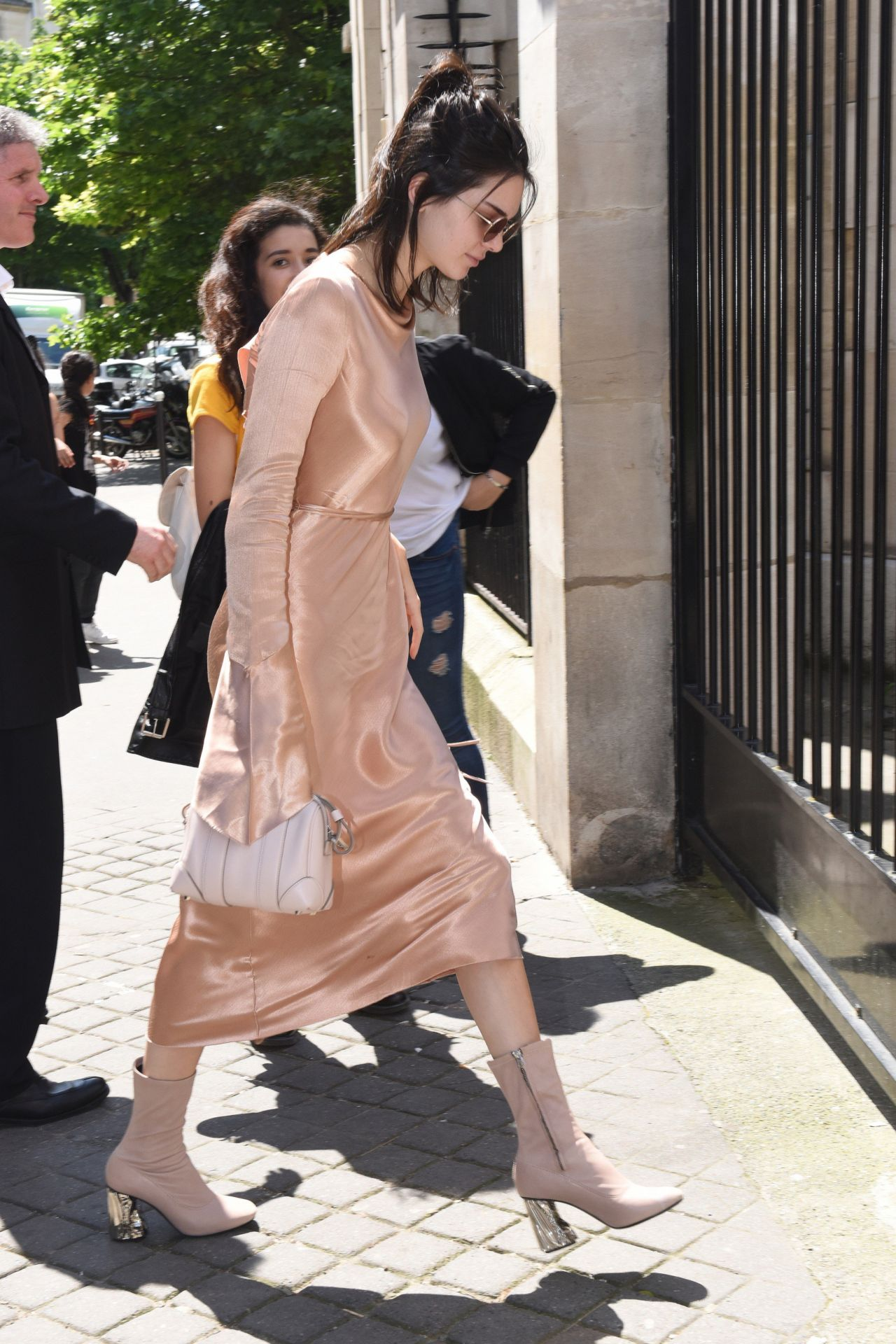 Kendall Jenner Classy Fashion  Out in Paris 6242016