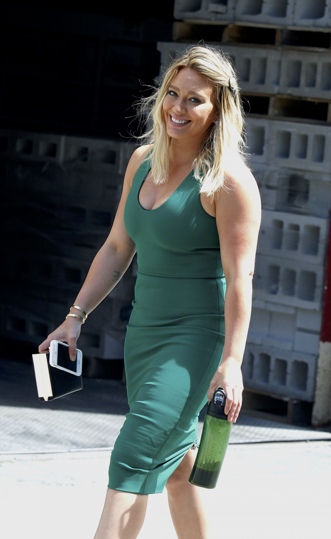 Hilary Duff  On the Set of Younger in Manhattan 8252016