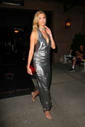 Karlie Kloss Night Out Style - Leaving the Bowery Hotel in NYC 9/7/2016
