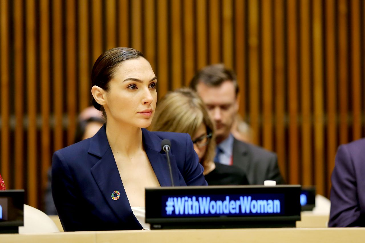 Gal Gadot  Wonder Woman United Nations Ambassador Ceremony In Nyc  10212016-5057
