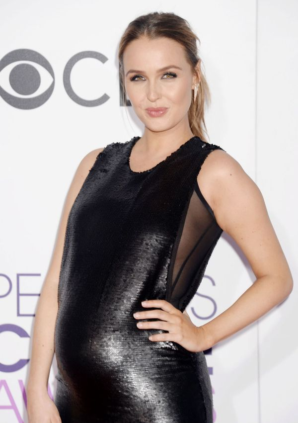 Camilla Luddington People Choice Awards In Los Angeles 1 18 2017