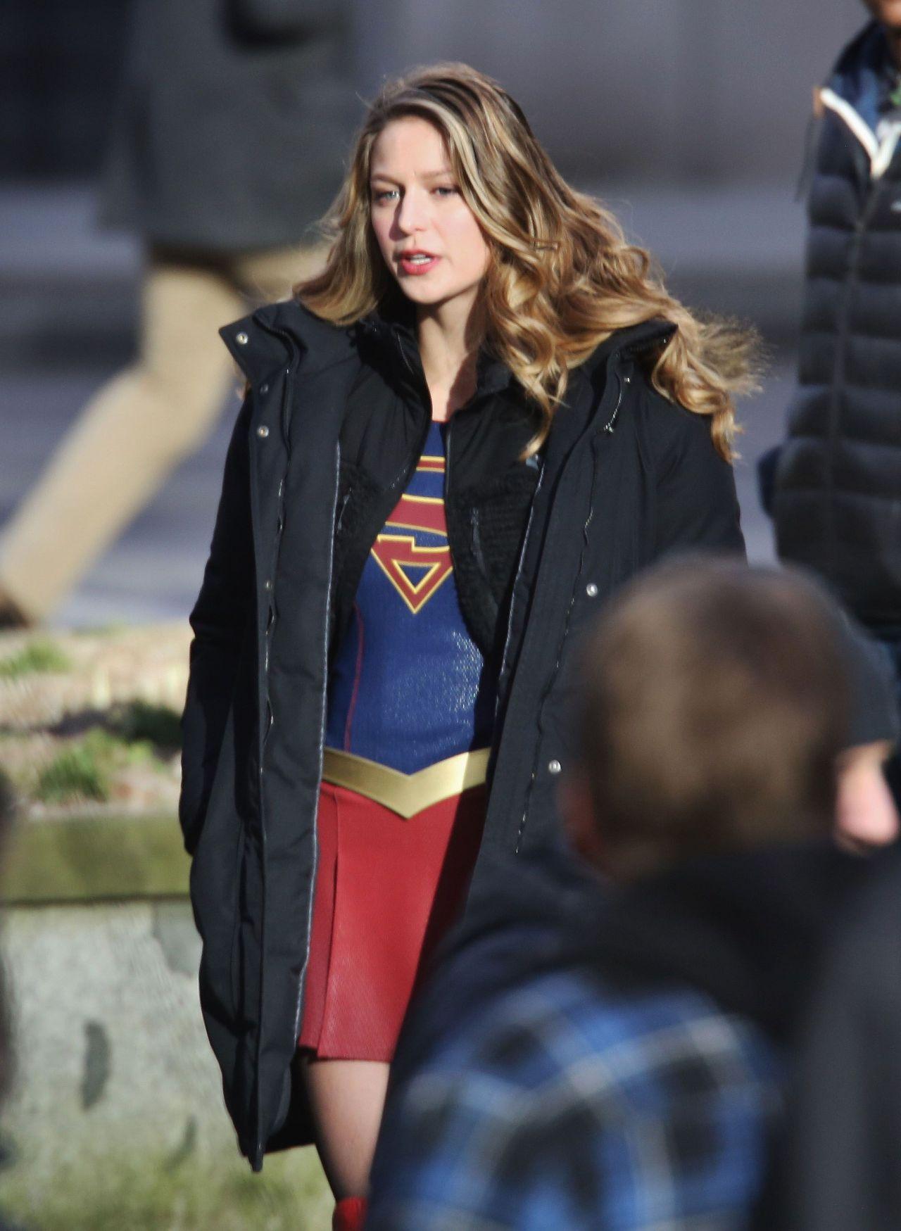 Melissa Benoist Supergirl Set In Vancouver 15 2017
