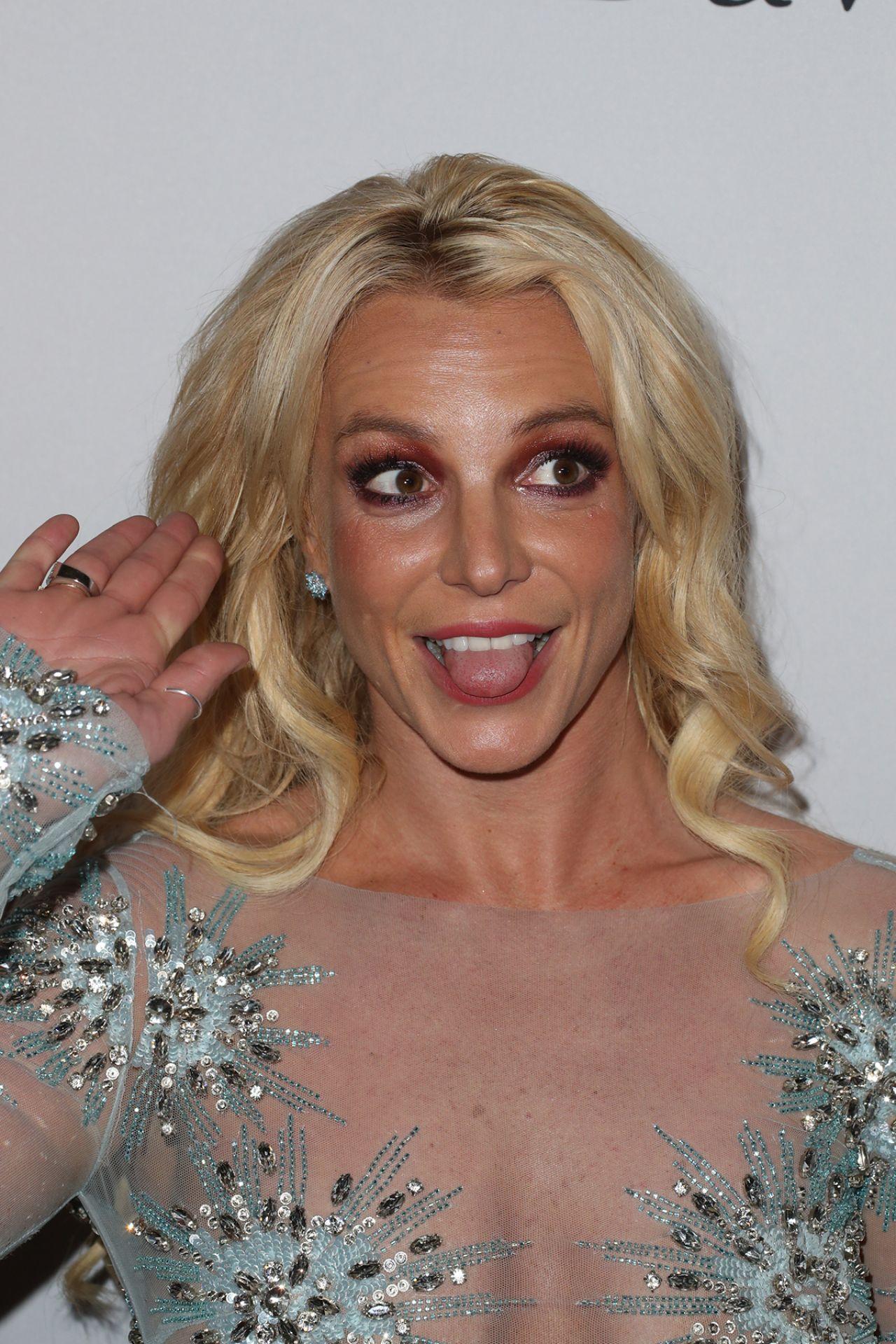 Britney Spears  Clive Davis PreGrammy 2017 Party in Beverly Hills
