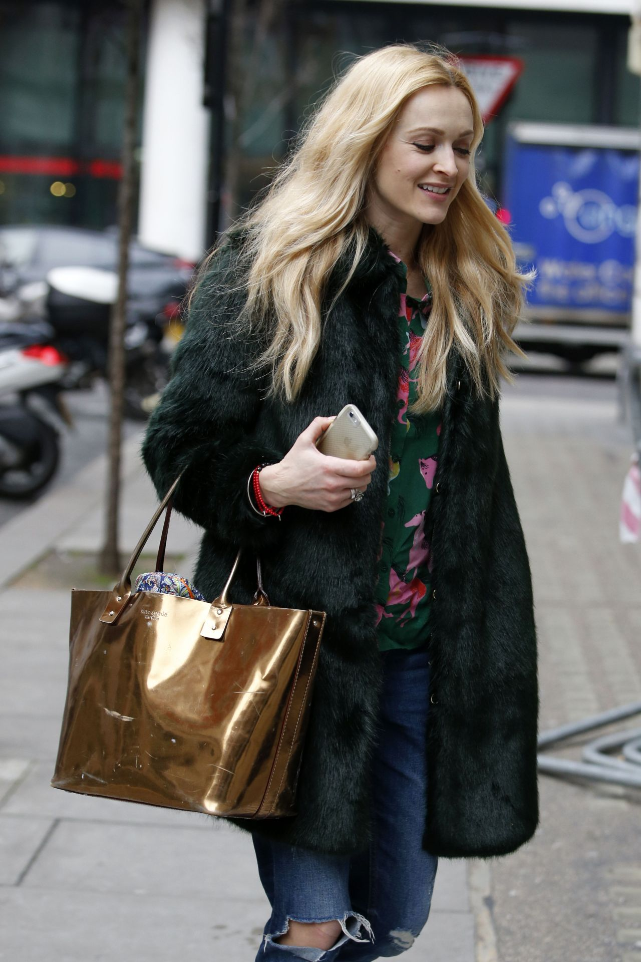 fearne cotton sofa alexis two seater bed cover street style out in london uk 2 15 2017