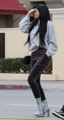 Kylie Jenner - In Beverly Hills 2 1 2017