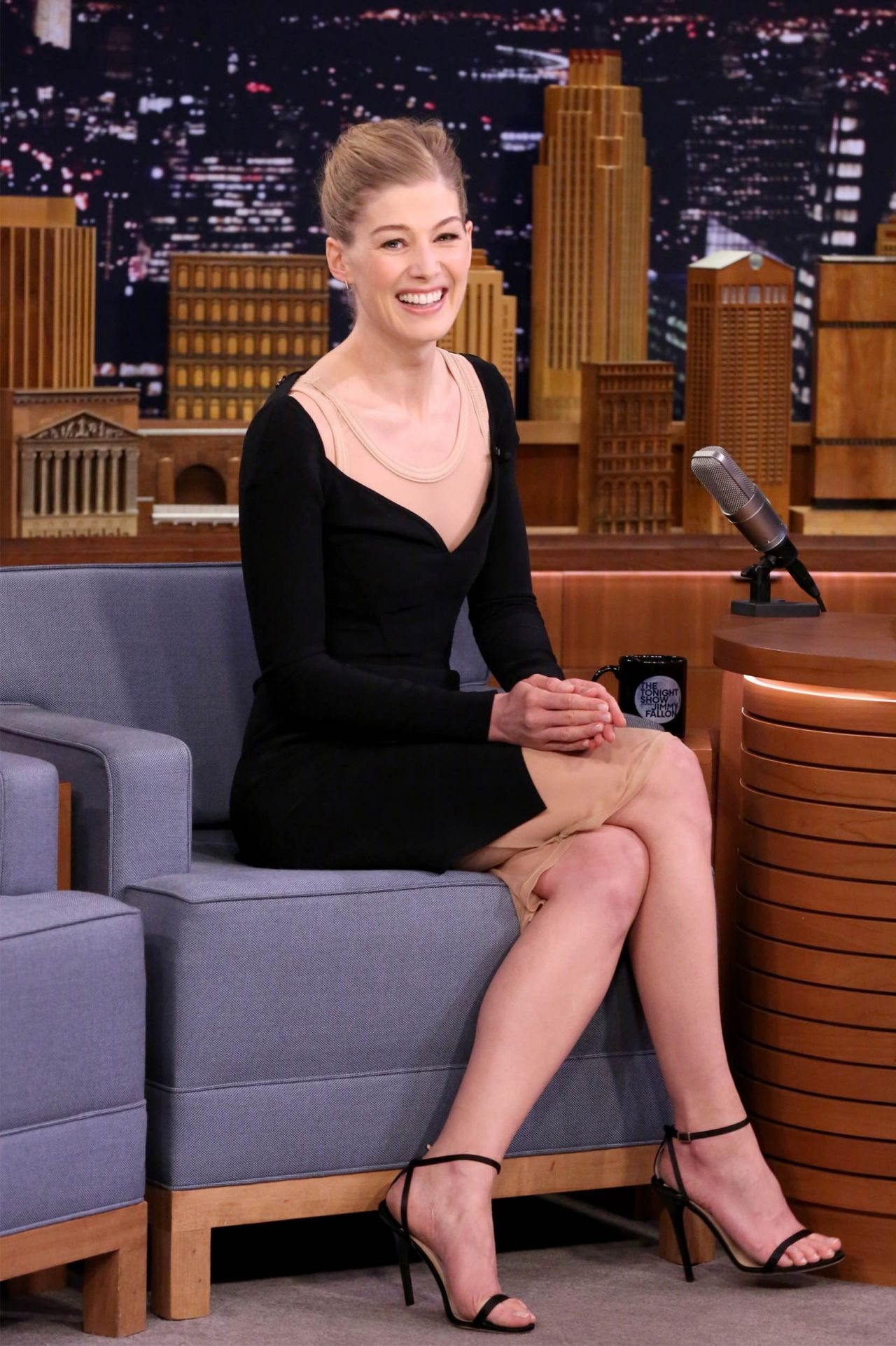 sofa expo new york 2017 old collection leeds rosamund pike the tonight show starring jimmy fallon in