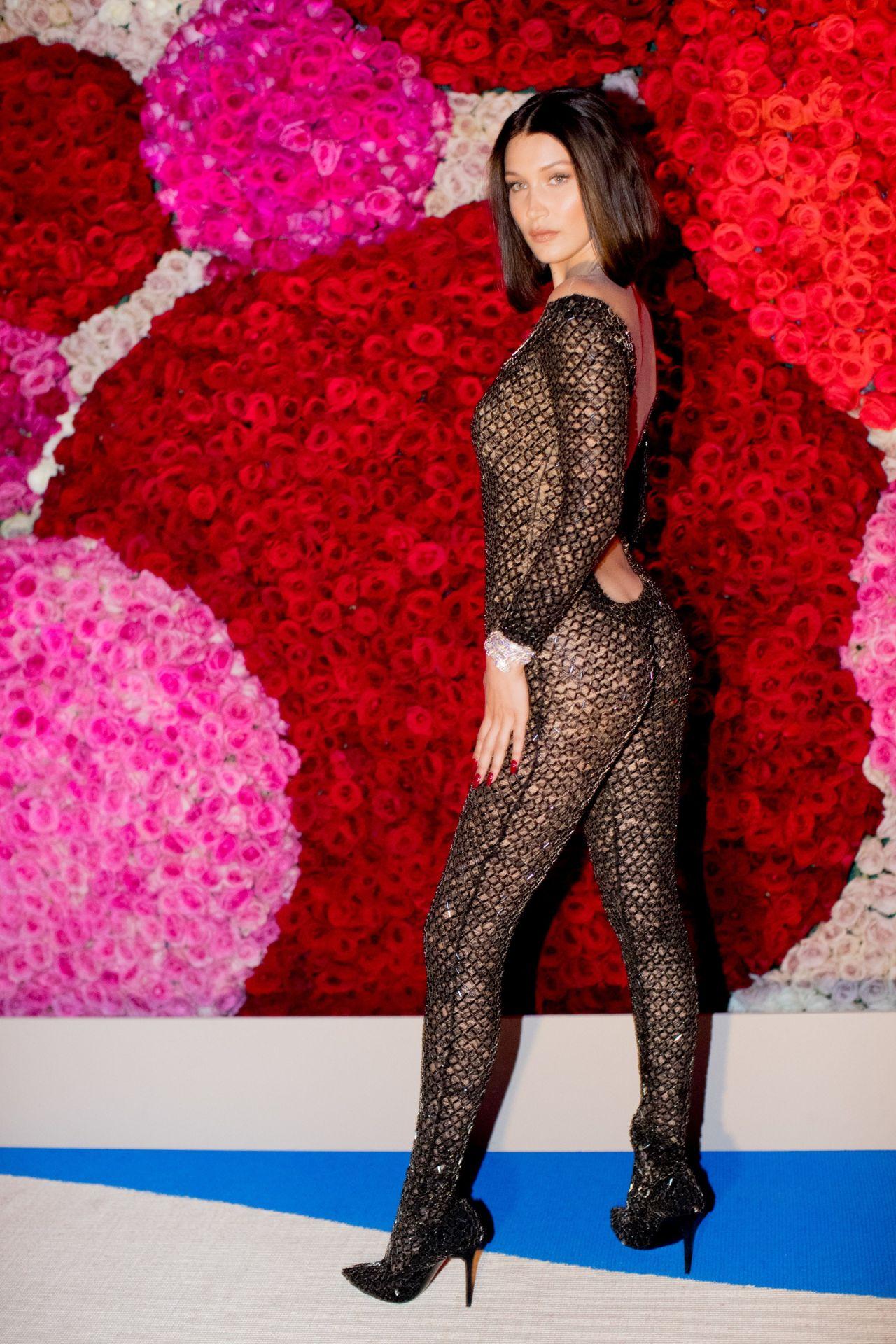Fall In Paris Wallpaper Bella Hadid At Met Gala In New York 05 01 2017