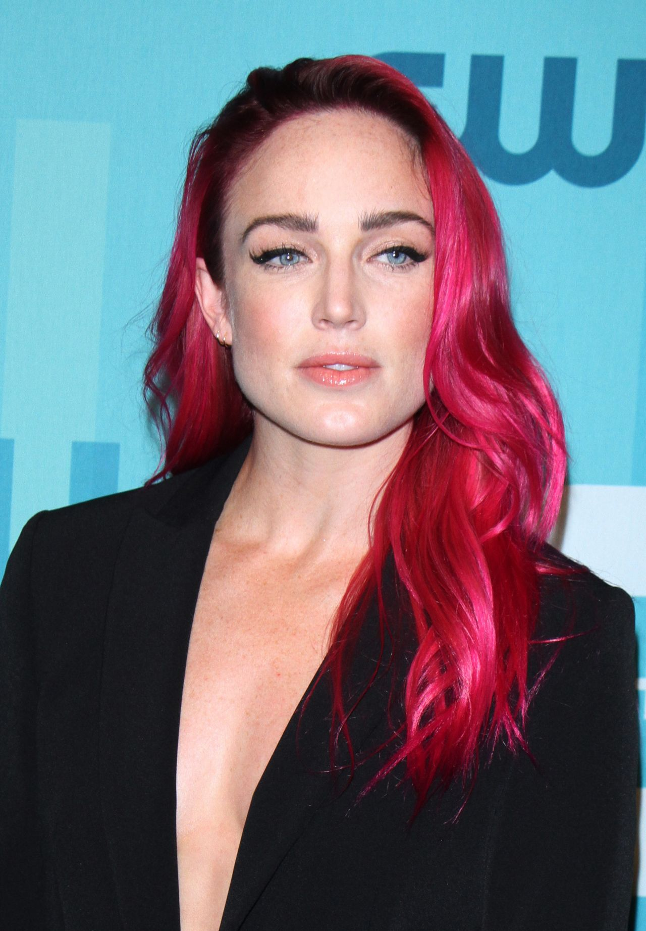 Pink Fall Wallpaper Caity Lotz The Cw Network S Upfront In New York City 05