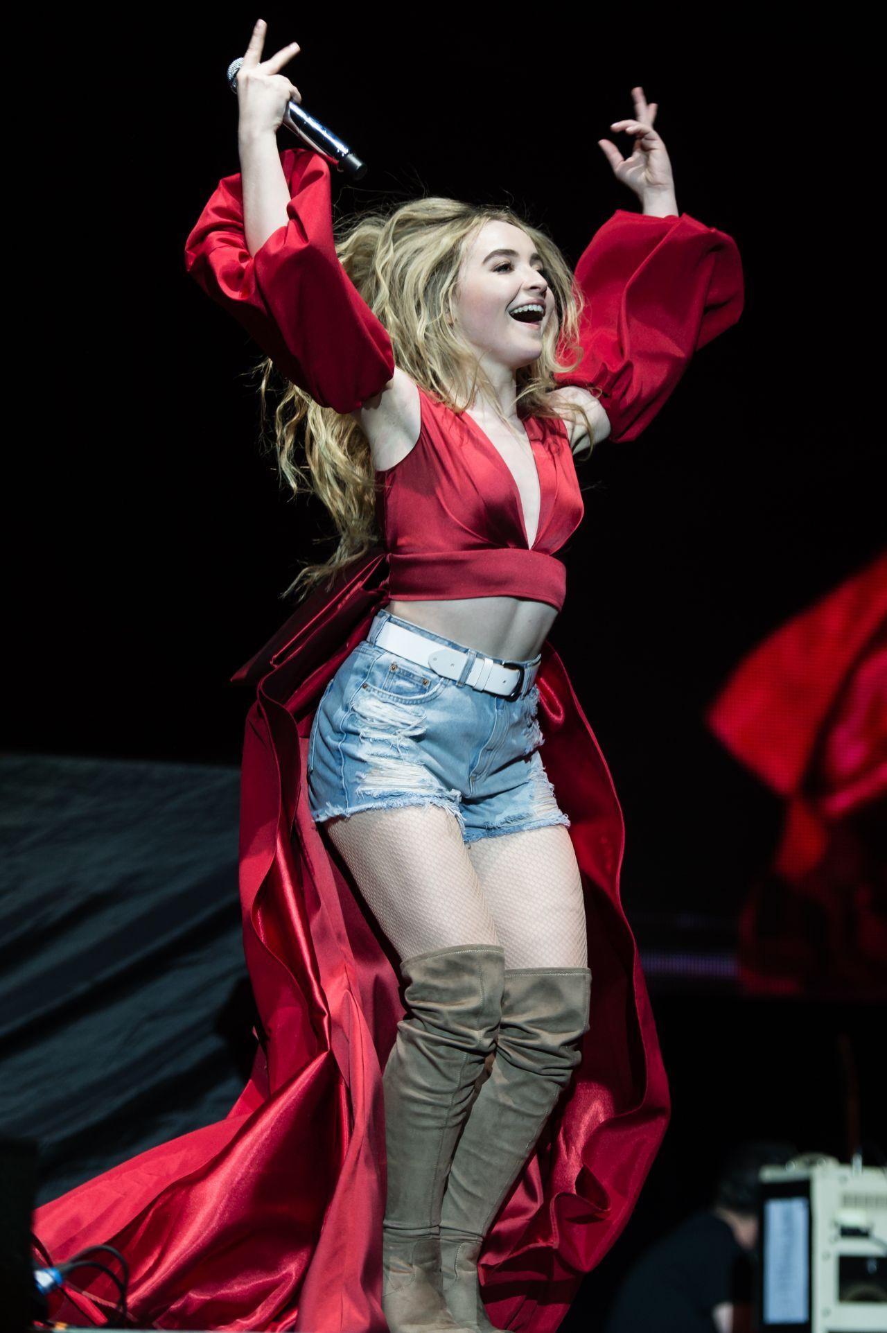 Sabrina Carpenter Performing at the O2 Arena London 05