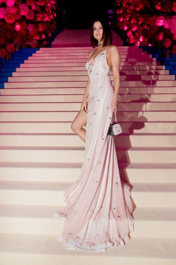 Selena Gomez - Met Gala Metropolitan Museum Of Art