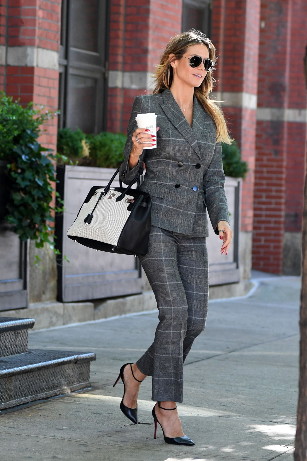 Heidi Klum Wears a Grey Suit  Out in NYC 06202017