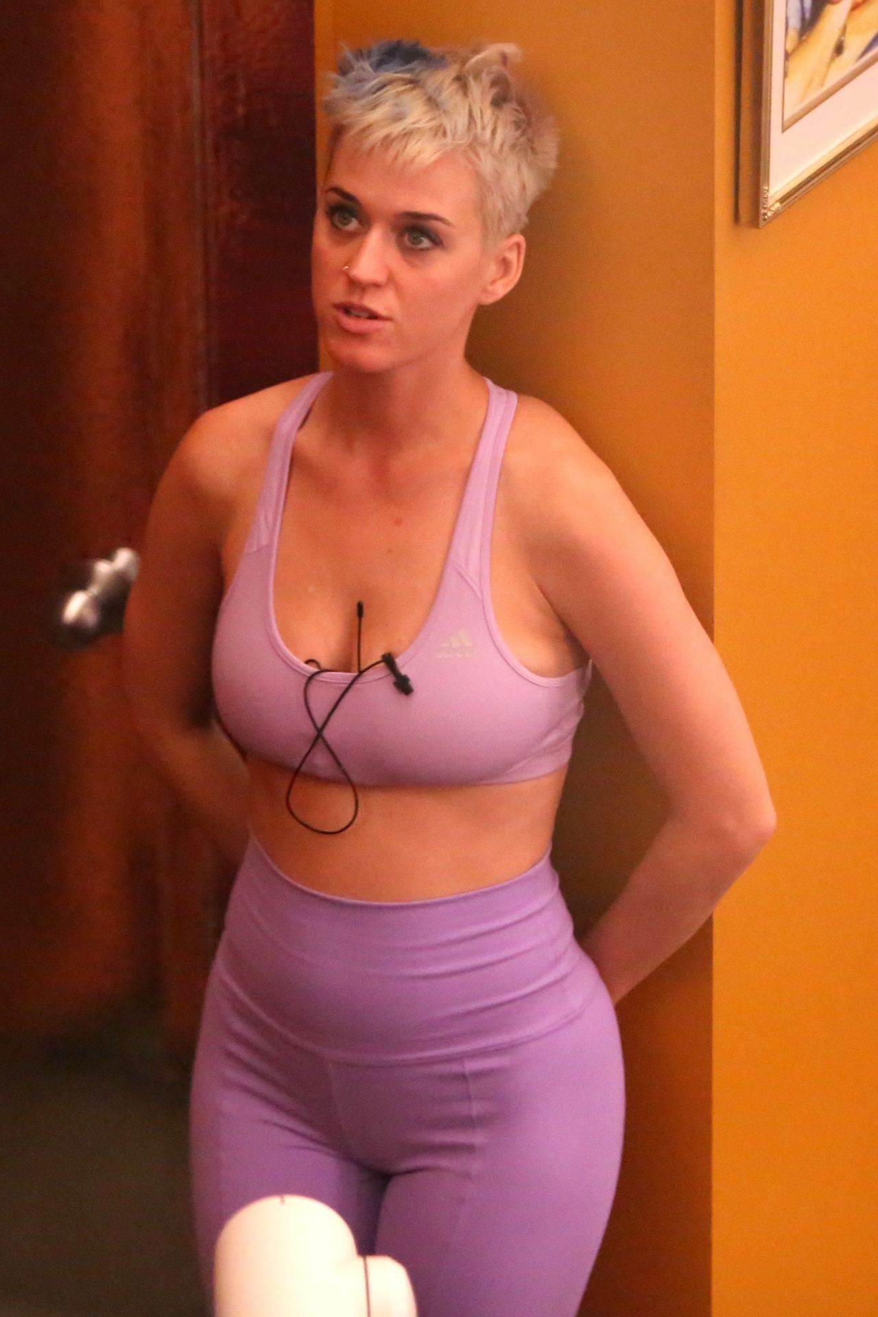 Katy Perry Getting Ready For a Workout  Los Angeles 0612