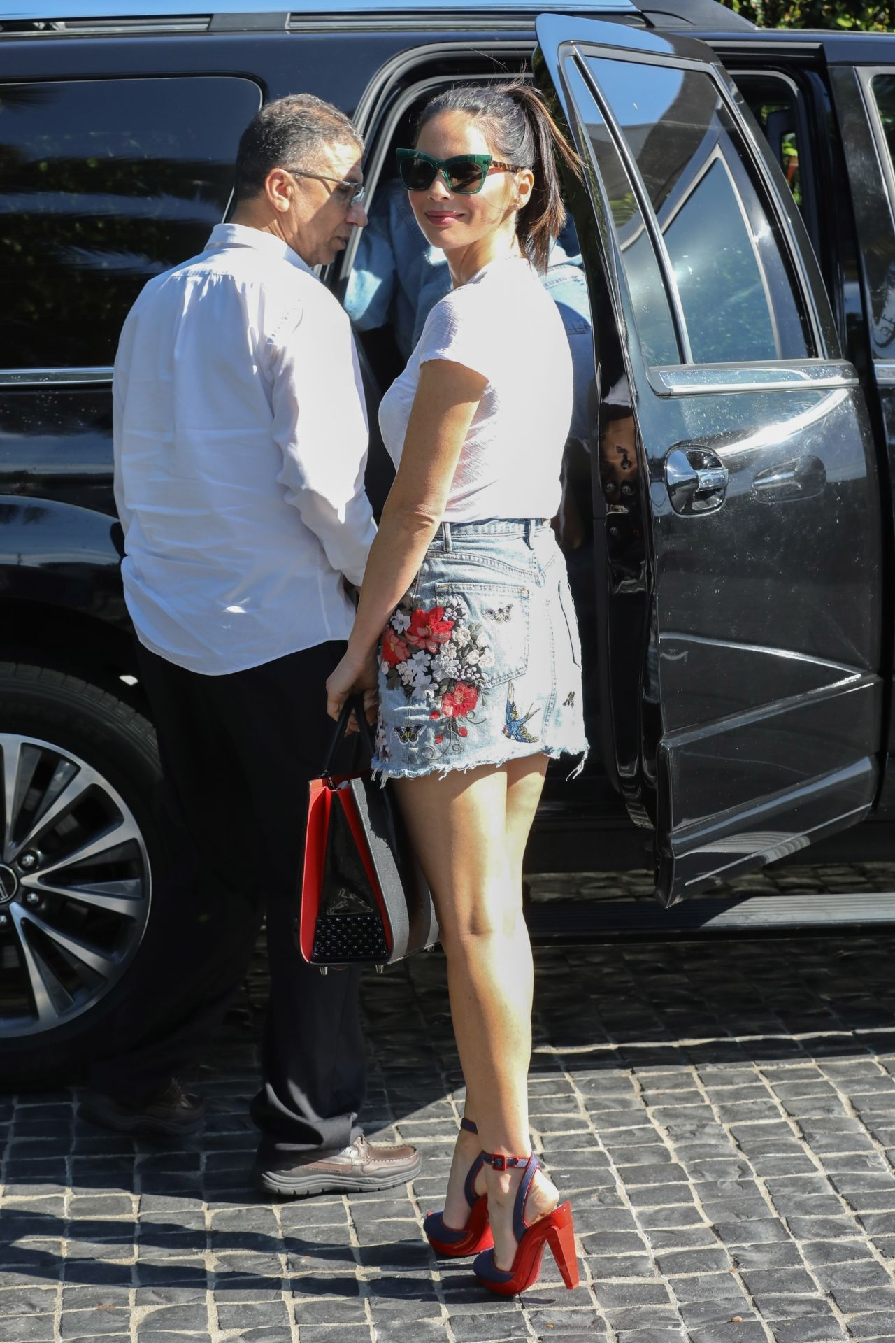 Olivia Munn Shows Off Her Legs  Cecconis in West