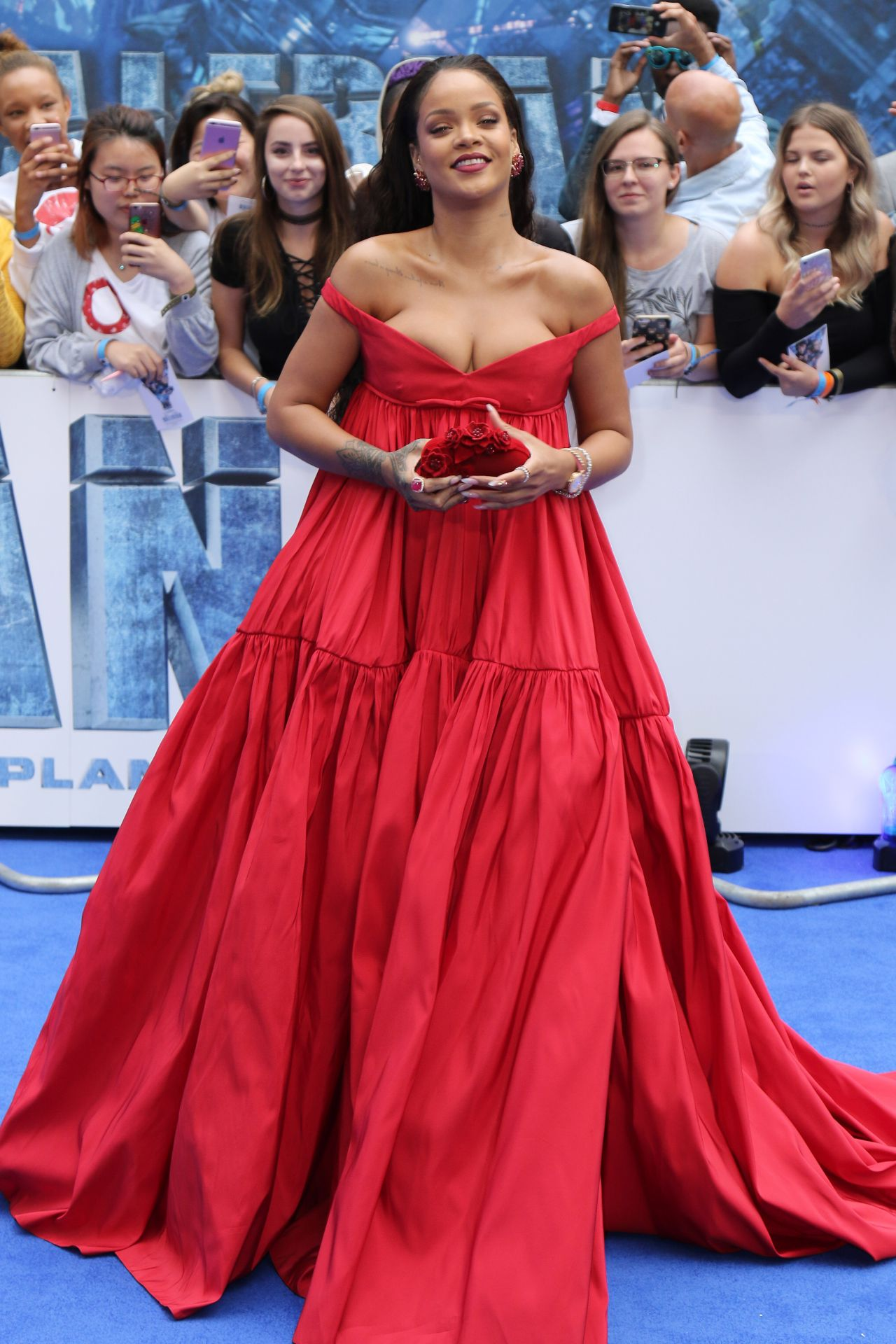 Rihanna On Red Carpet Valerian And The City Of A