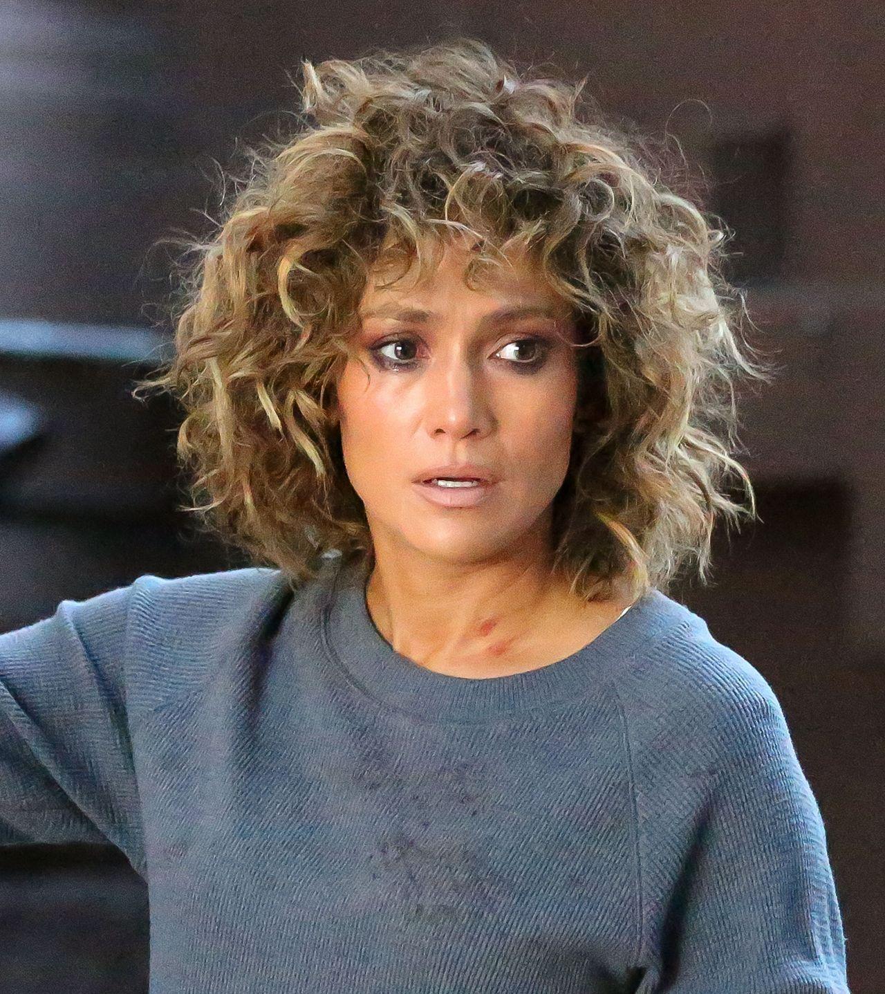 Jennifer Lopez  Sheds Tears on Set of Shades of Blue in